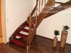 schody drewniane do domu