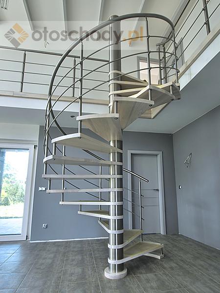 spindeltreppe einbauen stufe f r stufe selbst aufgebaut heimwerken. Black Bedroom Furniture Sets. Home Design Ideas