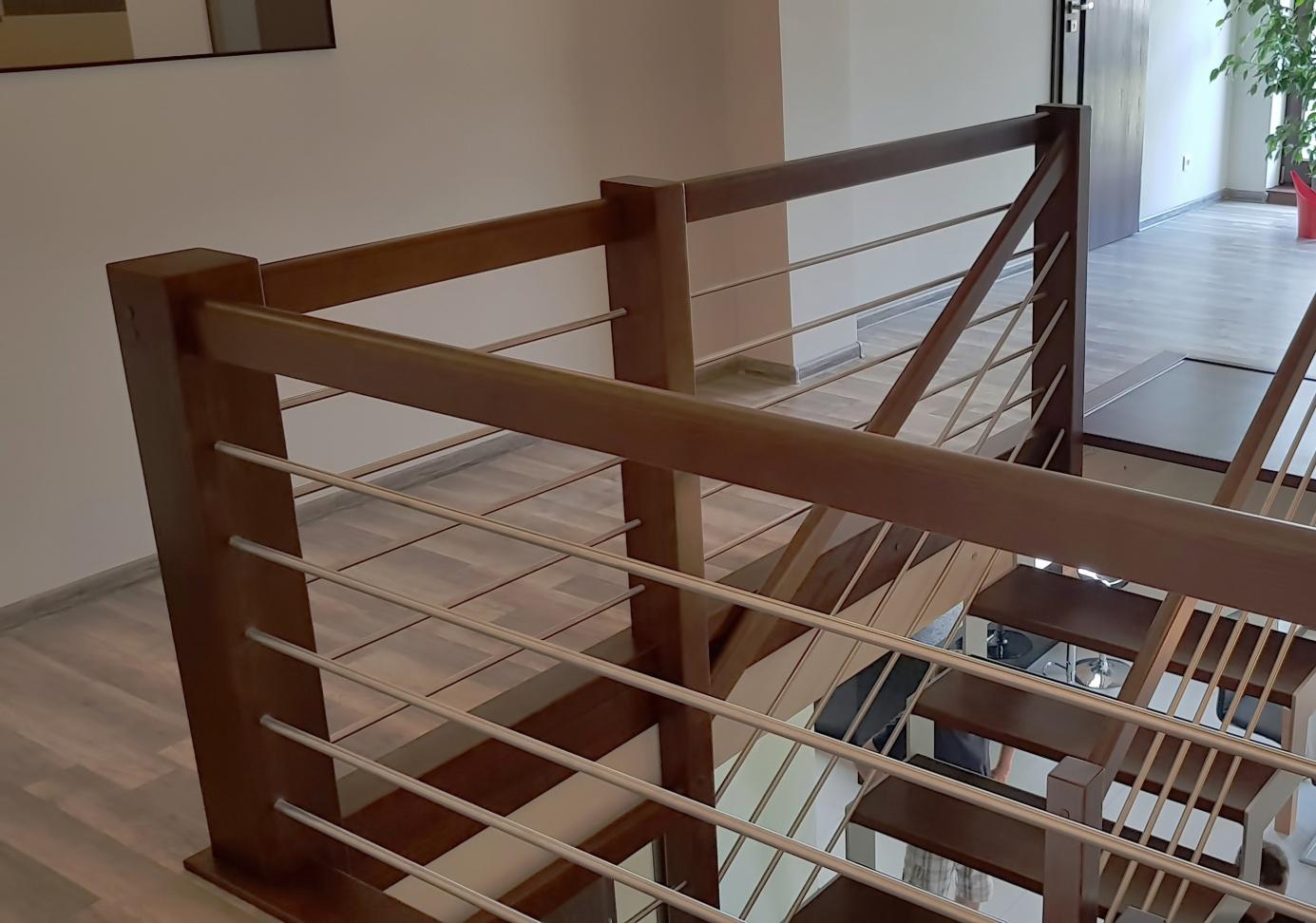 Schody na konstrukcji stalowej 2